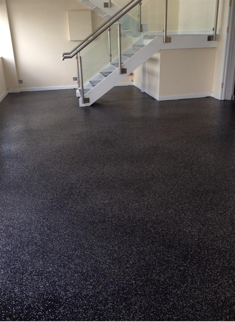 Full scatter decorative flooring